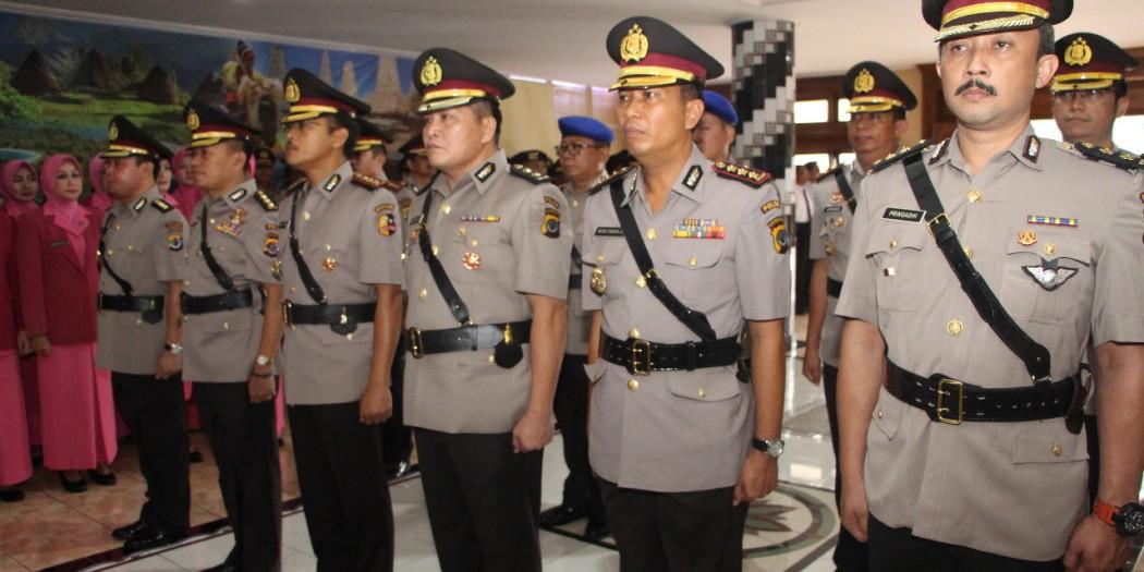 Kapolda NTT pimpin upacara Sertijab Pejabat Utama Polda NTT