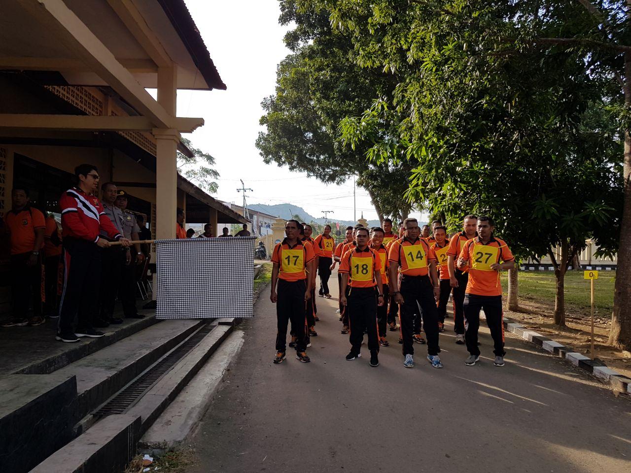 Meningkatkan Kebugaran Fisik Serta Performa, Anggota Polres Mabar Laksanakan Kesemaptaan Jasmani