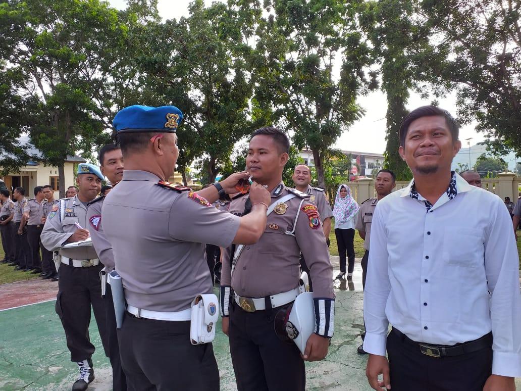 Operasi Gaktiblin, Si Propam Polres Mabar Cek Sikap Tampang Anggota
