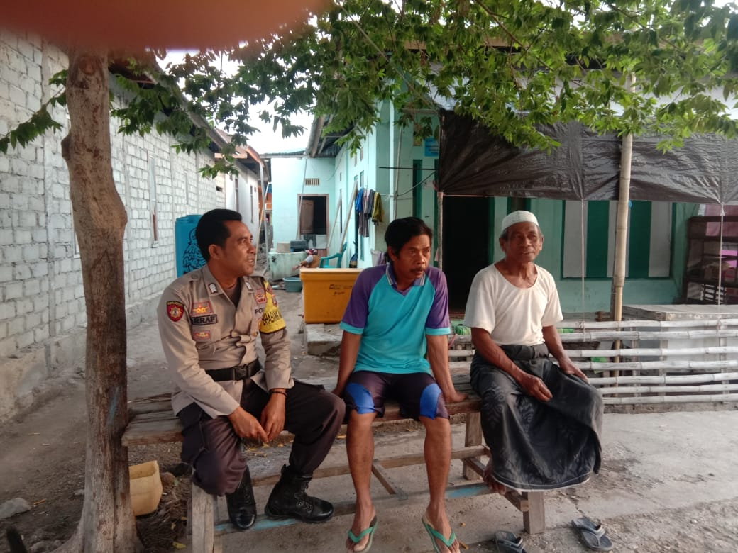Masyarakat Mitra Polisi, Bhabinkamtibmas Golokempo Sambang Ke Sejumlah Warga