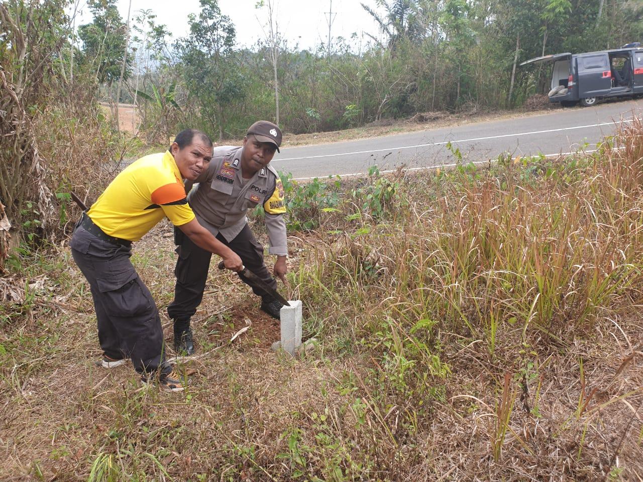 Akan Dibangun Pondok Kamtibmas, Sat Binmas Polres Mabar Bersihkan Lokasi Tahan Hibah