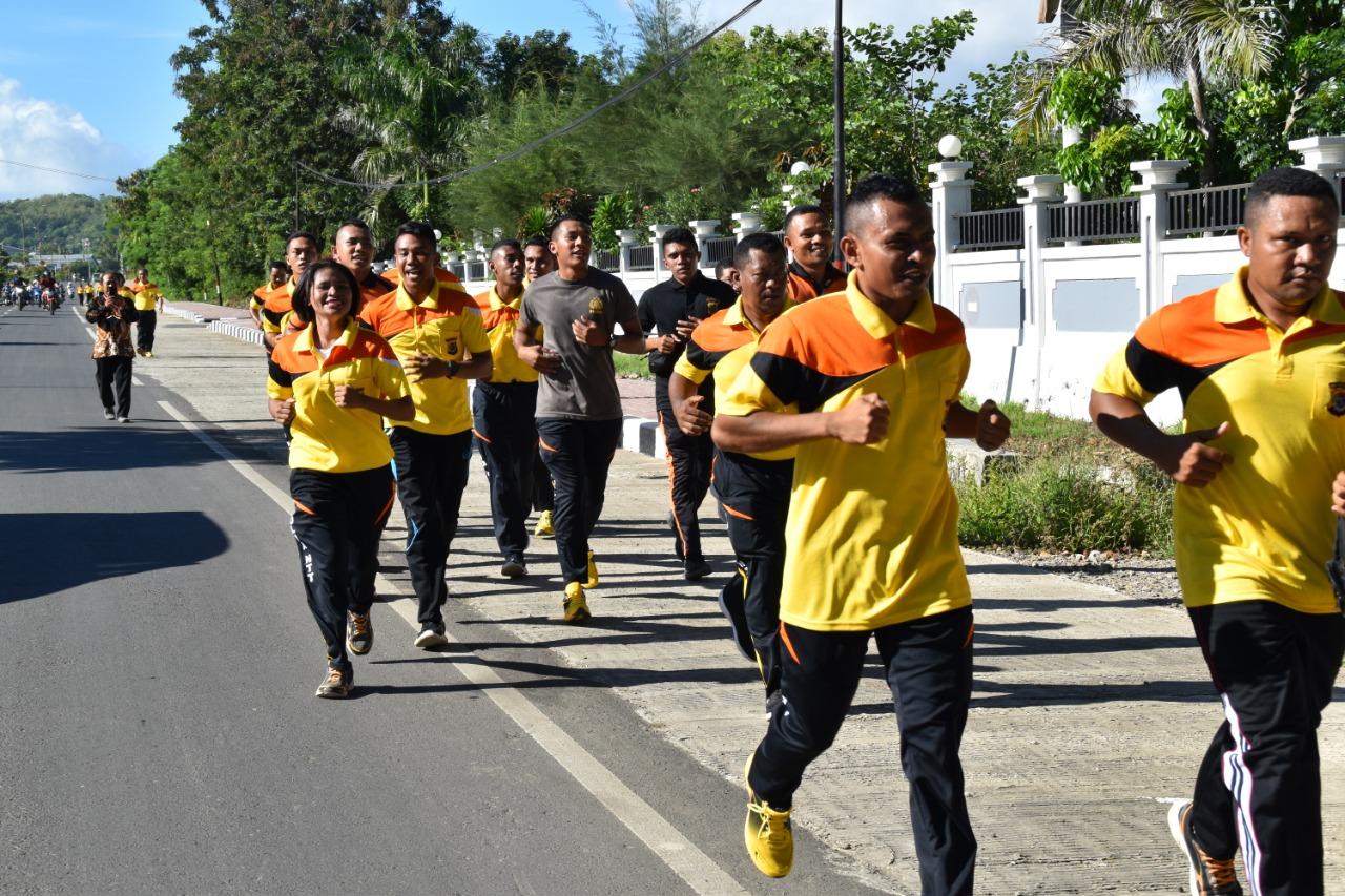 Jumat Sehat, Personil Polres Manggarai Barat Lari Pagi dan Senam Bersama